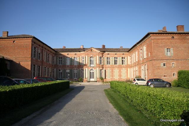 Chateau de Merville entrée parking
